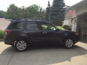 2013 Subaru Forester 2.5X Limited with Navigation System