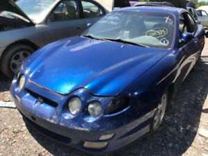 2000 Hyundai Tiburon  ** FOR PARTS ** INSIDE & OUTSIDE **