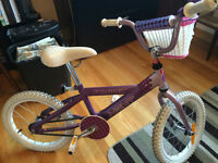 "Girl's bicycle 16"" tires - bicyclette pour fille pneus 16"""