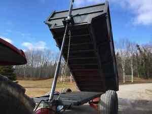 Remorque agricole dompeuse Saguenay Saguenay-Lac-Saint-Jean image 1