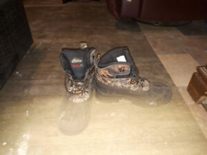 MEN CAMOUFLAGE BOOTS