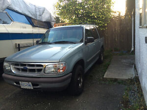 1995 Ford Explorer XLT SUV, Crossover