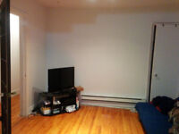 4 1/2 apartment, walking to Pie X station for 2 minutes, 685$