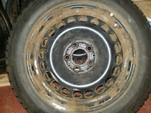 4 rims 16 pouces 5 trous (pas de pneus)