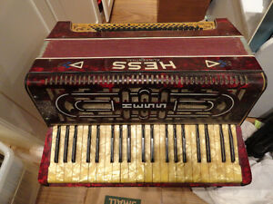 Antique HESS KLINGENTHAL Accordion