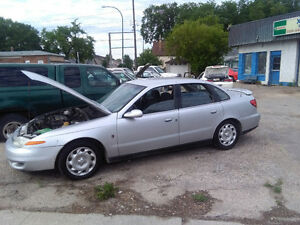 02 Saturn safetied clean title  $ 1795