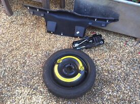 SEAT Arosa Spare tyre and jack kit