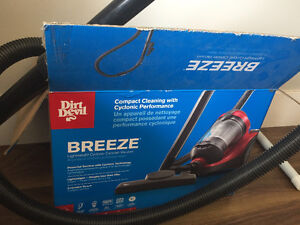 Dirt Devil Breeze bagless Canister Vacuum Cleaner