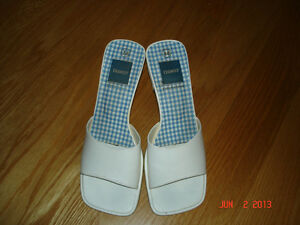 LADIES WHITE SANDAL SHOES - SIZE 38