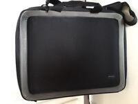 High spec protective laptop case,suitable for upto 20inch,costs £135,bargain at £45,only 1 month old