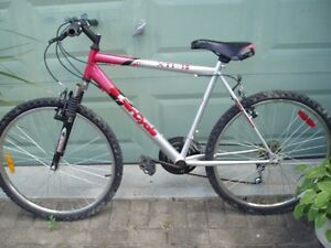 SUPERCYCLE XTI MOUNTAIN BIKE...18 SPEED