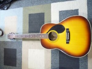 Maxwin 200A Acoustic Guitar with bag