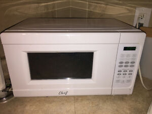 Like new microwave and toaster