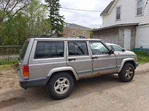 2000 jeep cherokee parting out.