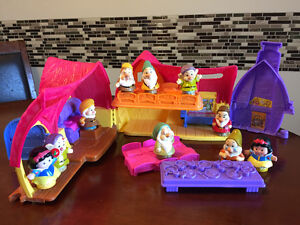 Fisher Price Little People Snow White and the 7 Dwarves Play Set