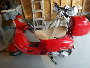 Beautiful cherry red 2006 Vespa, low kms