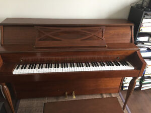 Appartement Heintzman Piano