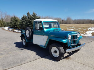 1962 WILLY'S JEEP 4X4 PICKUP TRUCK