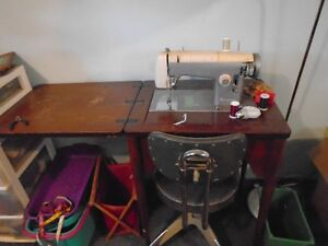 Kenmorre sewing machine and stand