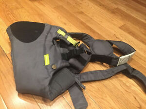 """Selling an Infantino """"Breathe"""" baby carrier in EUC"""