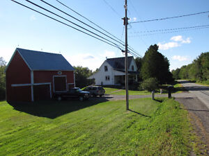 SMALL HOBBY FARM 47 ACRES 5 BEDROOMS GREAT BARN WORKSHOP