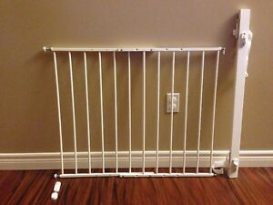 Top Of Stairs Baby Gates Buy Or Sell Gates Amp Monitors In