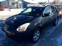 09 Nissan Rogue-Low Kms!