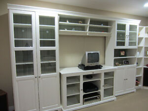 Wall / Entertainment Centre with Bookcases