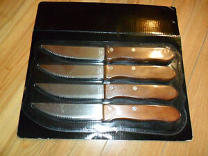 */*NEW 4 COUTEAUX A STEAK KNIVES WOOD BBQ
