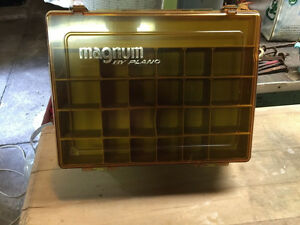Vintage Double Sided MAGNUM 1152 PLANO FISHING TACKLE BOX
