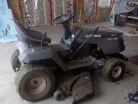 Tracteur à pelouse à vendre