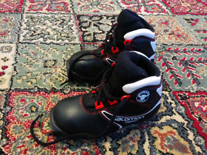 Kids XC Boots, size UK 11 / EUR 29 / USA 11