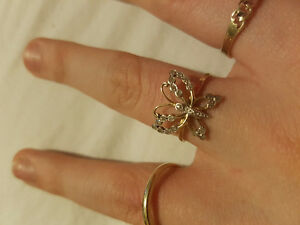 GOLD BUTTERFLY RING WITH REAL DIAMONDS