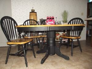 Table and Chairs Windsor Region Ontario image 1