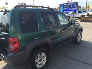 2004 Jeep Liberty Sport SUV, Crossover4 x 4 safety