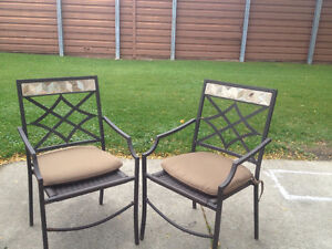 HEAVY MARBLE COFFEE TABLE / 2 CHAIRS Windsor Region Ontario image 1