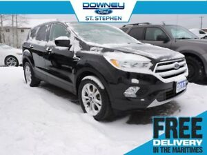 2017 Ford Escape SEsleek black with bright accents, 4WD