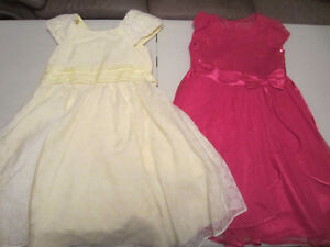 2 belles robes taille 8 fille