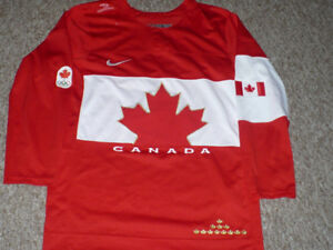 Team Canada 2014 Home Red Olympic Nike Jersey Size Small