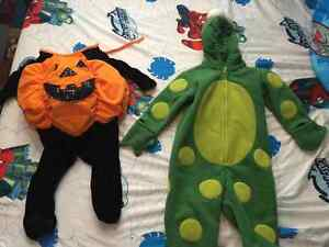 Halloween costumes size 12montha