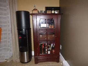 vaisselier meuble a boisson vitré brun