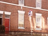 **QUICK** IMMACULATE RENOVATED ONE BEDROOM FLAT!! MACKLIN STREET£495!! ALL BILLS INCLUDED!!