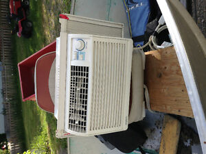 small room air conditioner. great for bedroom.