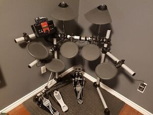 Batterie electronique Yamaha /Yamaha electronic drum set