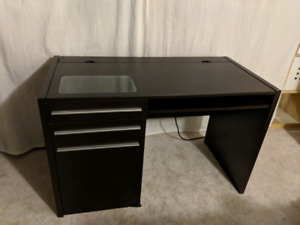 Computer Desk with integrated electric outlet (Black-brown)