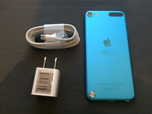 ipod Touch 5th Gen 32Gb with Back Camera Mint Condition ! CHEAP!