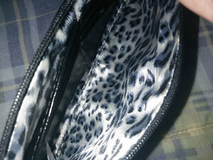 Ladies Small Purse with removable shoulder strap Kitchener / Waterloo Kitchener Area image 2