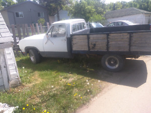 1979 dodge d-100 w/ possible 340 orange block