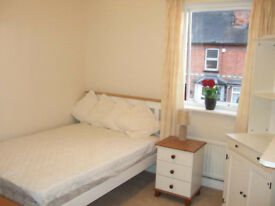 Double room to let in Victorian terraced house.