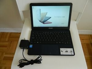 """ASUS X250T 11.6"""" ULTRA-COMPACT DESIGN GREAT CONDITION"""